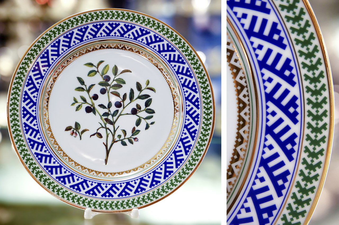 Complement your existing decor with a variety of decorative wall plates from Lomonosov Porceain Factory. Give your space a glamorous accent with one of our ... & Decorative Plates | Lomonosov Russia - Factory Direct from Russia