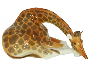 Giraffe Figurine with Head Down Lomonosov Imperial Porcelain
