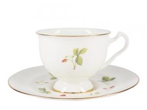 Lomonosov Bone China Tea Set Cup and Saucer Aisedora Wild Strawberry